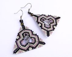 Seed bead earrings Triangle Peyote Earrings by Anabel27shop #beadwork #beaded #beadweaving #crafts #earrings #jewelry #peyote