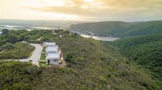 Alkantmooi Private Nature Reserve Keurkloof U - Beauty in every direction; on the hill-top at Alkantmooi Private Nature Reserve you will find yourself surrounded by some of nature's most exquisite visual displays. The calm Indian Ocean seamlessly ... #weekendgetaways #plettenbergbay #southafrica