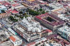 Quetzaltenango desde el aire. #guatemala #guatemalaphotostock #paisaje #landscape #landscapephotography #theoutsideproject #airphotography #wanderlust #wandering #wanderfolk #Quetzaltenango