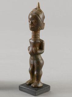 LULUA FIGURE Kongo