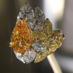 VOILA @chanelofficial #lesblesdechanel #wheat #diamonds #uniquepiece #ring…