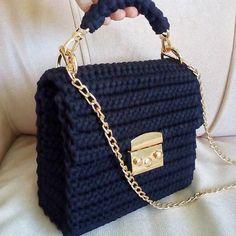 Best 12 48 Creative Free Crochet Bag Pattern Ideas for This Year Part crochet bag pattern; Crochet Clutch Bags, Crotchet Bags, Free Crochet Bag, Crochet Handbags, Crochet Purses, Knitted Bags, Bag Pattern Free, Pattern Ideas, Yarn Bag