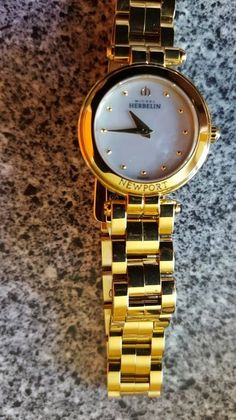 Catawiki Online-Auktionshaus: Michel Herbelin - Newport Yacht Club - 17455/BP19 - Damenarmbanduhr Newport, Yacht Club, Gold Watch, Bracelet Watch, Watches, Bracelets, Accessories, Auction, Stainless Steel