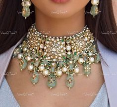 Stone Earrings, Stone Jewelry, Expensive Jewelry, Sabyasachi, Carat Gold, Diamond Stone, Jewelry Trends, Indian Jewelry, Bridal Jewelry