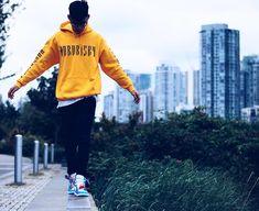 Have the world at your feet Model: @aaroncheuung Feat: Yellow x Black Street Series Hoodie Location: Canada #bornrisky #Streetstyle #model #fashion #trend #instapic #photo #photoshoot #picoftheday #photooftheday #nyc #london #scotstreetstyle #colour #instafashion #designer #life #lifestyle #mymarketplace #basementapproved #mydailystreet #ootd #potd #streetart #graffiti #style Blue Hoodie, Insta Pic, Graffiti, Nyc, Ootd, Canada, Street Style, Photoshoot, London