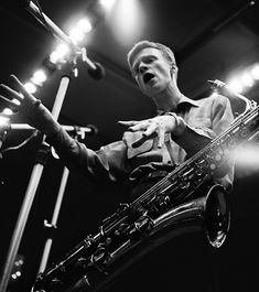Gerry Mulligan directing a recording session in Los Angeles, 1953 - Bob Willoughby Photography