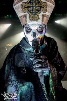 PAPA Emeritus III / Terminal 5 NYC. Photo: Mark McGauley The Nameless Ghouls Offcial Ghost Cult.