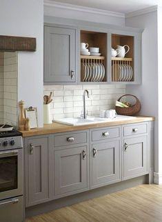 Gorgeous 105 Modern Farmhouse Kitchen Cabinet Makeover Design Ideas https://besideroom.co/105-modern-farmhouse-kitchen-cabinet-makeover-design-ideas/ #kitchenmakeovers