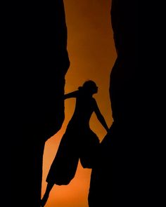 Bouldering and climbing are the two most popular activities in Hampi apart from drinking . Portrait of a climber at sunset  #instagramaz #instagram #travel #instatravel #instatraveling #traveler #worldtraveler #worlderlust #lonelyplanet #climbing #mountains #hampi #karnataka #india #sunset #silhouette #photography #jj #people