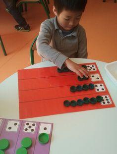 a year in kindergarten . Senses Activities, Math Activities For Kids, Math For Kids, Fun Math, Math Games, Preschool Activities, Kids Learning, Montessori Math, Kindergarten Lesson Plans