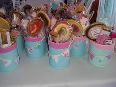Latas decoradas para golosinas cumpleaños infantil