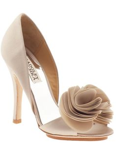 Bridesmaid shoes to go with the navy dresses.