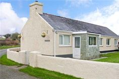 Cae Cwta Bach - Wales holiday cottage
