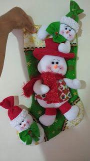 BOTA NAVIDEÑA NIEVE Merry Stockings, Felt Christmas Stockings, Felt Christmas Decorations, Christmas Wreaths, Christmas Crafts, Christmas Ornaments, Holiday Decor, Christmas Room, Christmas Holidays