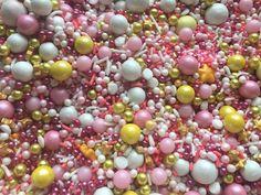 Sprinkle Medley Flamingo 150g (pink white gold) Kiwi Cake, Disco Dust, Fancy Sprinkles, Pink White, White Gold, Yellow, Cupcake Wars, Drip Cakes, Luau Party