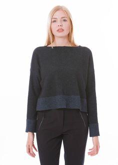 Kurzer Pullover aus festem Wollstoff