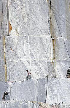 Le Cave di Marmo (Toscana, Italia) - Veduta paesaggistica