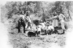 Estos fueron los días de fiesta y paseos de un grupo de amigos a principios del siglo pasado.