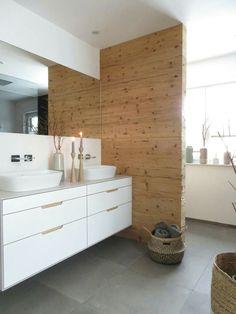 Naturholztrenwand, Badezimmer, schlicht, zeitlos