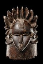 Liberia, Bassa ...voluminous coiffure of eight fan-like staggered lobes, completed by three horizontally arranged lobes running around