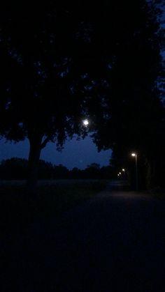 Aesthetic Photography Nature, Dark Photography, Night Photography, Night Scenery, Beautiful Photos Of Nature, Black Aesthetic Wallpaper, Night Aesthetic, Scenery Wallpaper, Love Pictures
