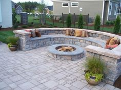 Backyard Patio Ideas : Patio Paver Artistic Forms For Cement Patio Pavers  From Random Pattern Tile And Curved Retaining Wall Blocks With Built In  Bench Seat ...