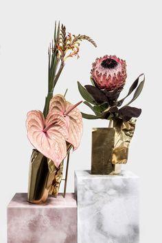 "548535a9746f ""Flowers enshrine my heart between their petals  that s why my heartbeats  love them so much"" - MUNIA KHAN -"