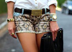 shorts-estampa-de-cobra