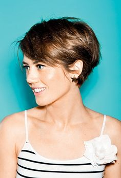 Cute Pixie Haircut Check Out 27 Best Pixie Hairstyles To Inspire You. The pixie haircut is still on trend and is the perfect way to stand out in the crowd. Short Hairstyles 2015, Trending Hairstyles, Hairstyles Haircuts, Cool Hairstyles, Everyday Hairstyles, Fringe Hairstyles, Summer Hairstyles, Short Curly Hair, Short Hair Cuts