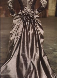 beautiful bustle ♥