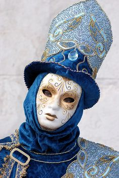 Royal Blue by SLpixeLS, via Flickr