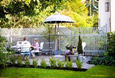 House of Philia Dream Garden, Home And Garden, Fence Screening, Outside Patio, Garden Fencing, Front Yard Landscaping, Garden Inspiration, Outdoor Gardens, Garden Design