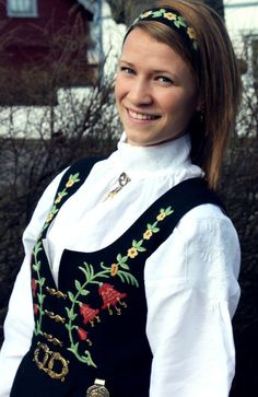 Norwegian Bunads Costumes Sewing Patterns | There is some wonderful embroidery on the blouse for the Løkendrakt