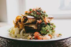 chicken taquitos, guacamole / Hannan soppa