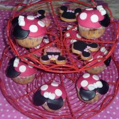 Minnie Mouse party-- I'd just do two buttons