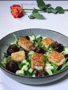 Bietjes salade met brie croustillants - Heerlijke Happen Brie, Eating Light, Healthy Drinks, Fish Recipes, Cobb Salad, Delish, Healthy Lifestyle, Vegetables, Food