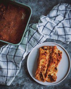 Enchiladas aus Taco-Resten / vegan Enchiladas from taco leftovers  #velvetandvinegar #gesund #pflanzlich #vegan #nachhaltig #schnellerezepte #einfacherezepte #enchiladas  #healthy #plantbased #vegan #sustainable #quickrecipes #easyrecipes Vegan Mexican Recipes, My Recipes, Vegan Recipes, Cooking Recipes, Vegan Enchiladas, Yummy Food, Tasty, Latest Recipe, Foodblogger