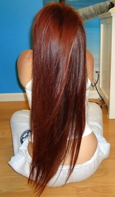 Long Red Hair- i want mine to be 4 inches shorter and tons of layers! -
