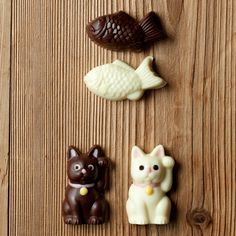 Moule Maneki-Neko et Taiyaki Cat Magazine, Anime Love Couple, Moon Cake, Food Themes, Muji, Non Alcoholic, Dessert Recipes, Desserts, Clay Projects