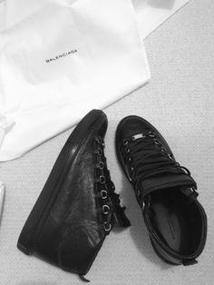 huge selection of b185b eb383 Balenciaga Sneakers, Balenciaga Arena, Chanel Fashion, High Fashion, Womens  Fashion