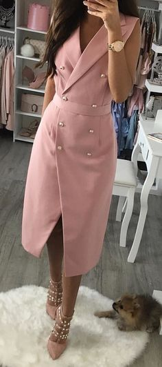 Stylish Summer Outfits You Should Already Own Pink Wrap Coat + Studded Pumps Stylish Summer Outfits, Classy Outfits, Casual Outfits, Casual Clothes, Summer Clothes, Ladies Outfits, Sexy Outfits, Trendy Dresses, Nice Dresses