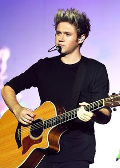 Find images and videos about one direction, niall horan and on We Heart It - the app to get lost in what you love. James Horan, Nicole Scherzinger, Liam Payne, Louis Tomlinson, Harry Styles, Foto One, Irish Singers, Naill Horan, Irish Boys