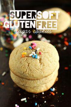 Super Soft Gluten Free Sugar Cookies! Made with a wholesome DIY GF baking mix | minimalistbaker.com de'lish yumm yumm