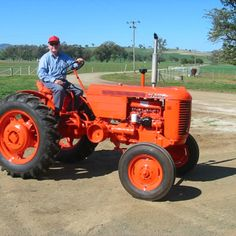 Do you think The Little VA deserves to win the Steiner Tractor Parts Photo Contest?  Have your say and vote today for your favorite antique tractor photos!