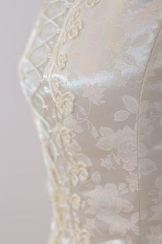 Hungarian bridal dress shop https://hagyomanyorzobolt.com