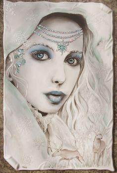 Le porcellane di Morena: la regina delle nevi - Snow Queen Piastra in porcellana dipinta a mano