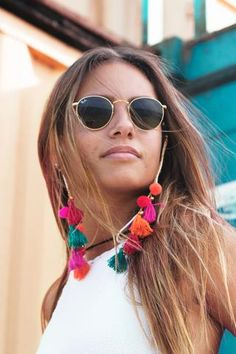 Outfits For Mexico, Diy Jewelry Projects, Sunnies, Sunglasses, Eyeglass Holder, Bracelet Crafts, Beach Accessories, Glass Necklace, Diy Earrings