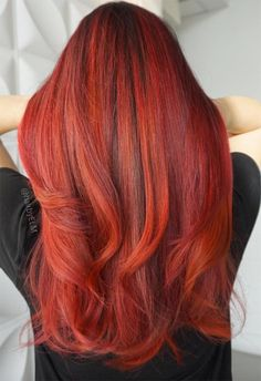 63 Hot Red Hair Color Shades to Dye for: Red Hair Dye Tips & Ideas - Trend Haarstyling Männer Feines Haar 2019 Warm Red Hair, Deep Red Hair Color, Bob Hair Color, Shades Of Red Hair, Hair Color Auburn, Hair Color Highlights, Auburn Hair, Hair Color Balayage, Color Black