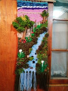 Landscape on Maria Catalán's loom Macrame Wall Hanging Diy, Weaving Wall Hanging, Weaving Art, Tapestry Weaving, Loom Weaving, Weaving Projects, Weaving Techniques, Felt Crafts, Beaded Embroidery