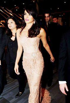 Priyanka chopra she is soo pretty.! Love her style.